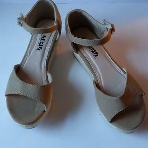 Shoes of Soul tan canvas wedge sandals-sz 8